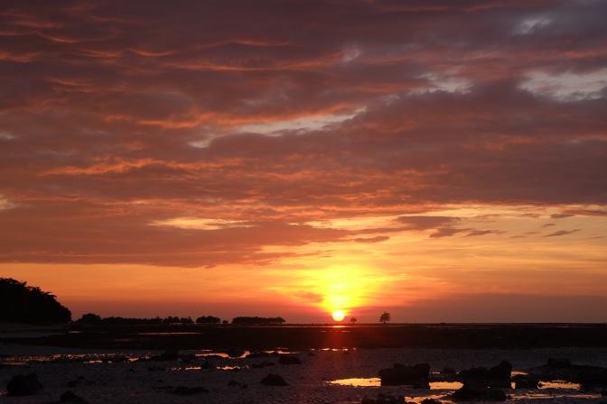 Menikmati Senja di Timur Indonesia